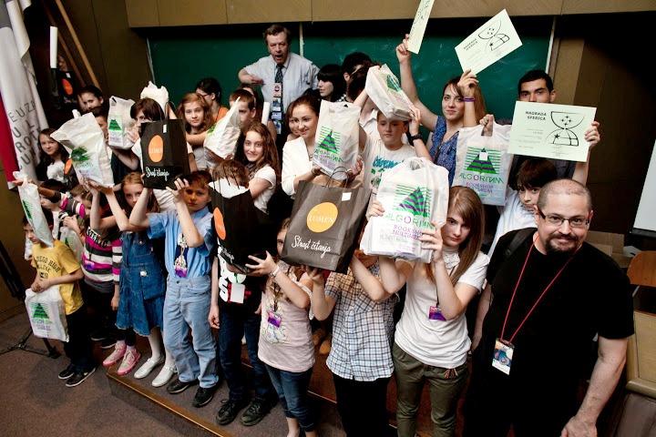 Dobitnici nagrada SFERICA na europskoj  konvenciji Kontakt, u Zagrebu 2012.